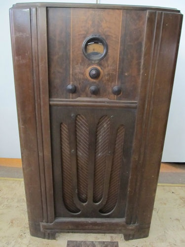 23 Best Images About Vintage Radios And Cameras On Pinterest