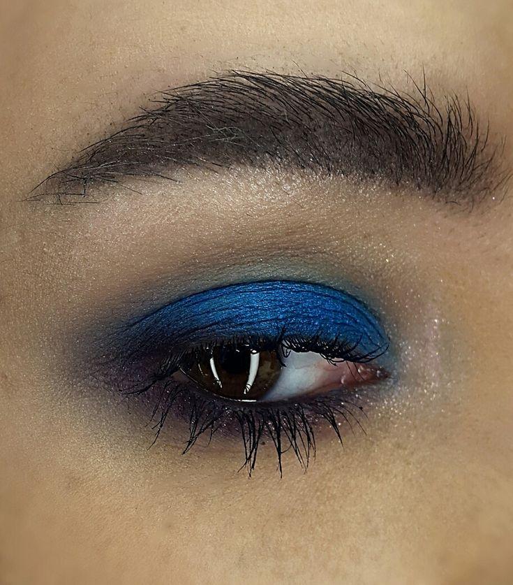 Electric blue https://www.instagram.com/p/Bcp5dmFH9kK/