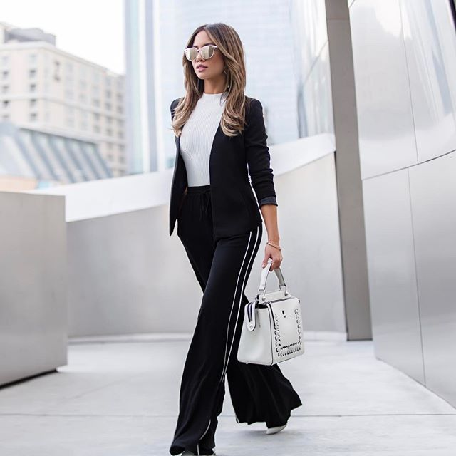 Really love that track pants are totally having a moment! Today on the blog, showing how to wear this trend to the office and other 9 to 5 chic options with @lulus Office Chic! All on mywhiteT.com! (link in bio) #lovelulus #ad  #Regram via @license
