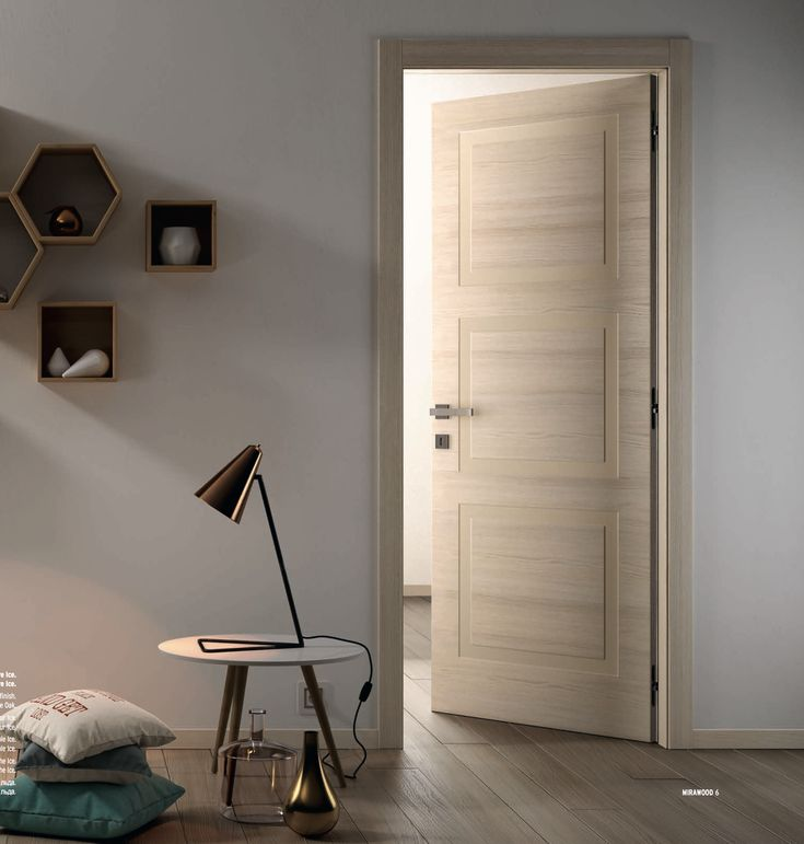 Hinged door in Ice Oak finish with
