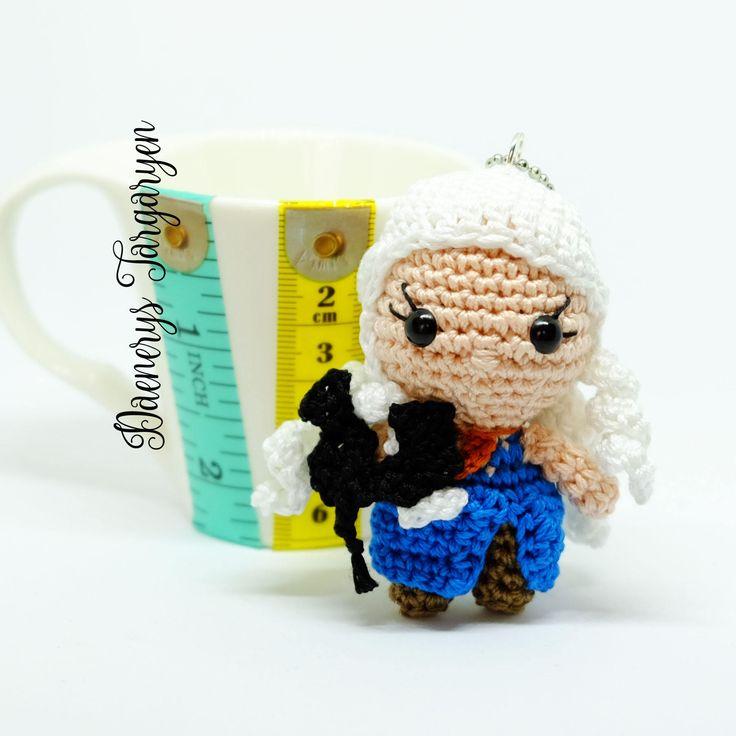"Daenerys Targaryen bambola amigurumi portachiavi uncinetto da ""il Trono di Spade"" di MrsPoppyAmigurumi su Etsy"