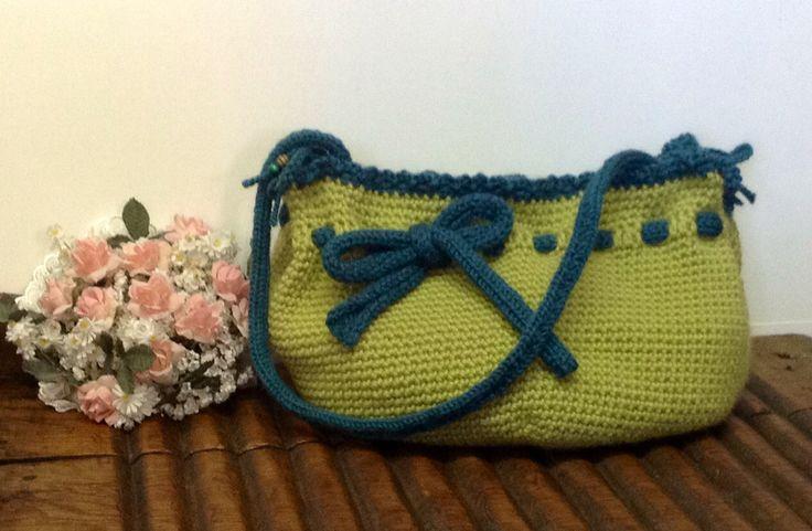 Bolso realizado a crochet