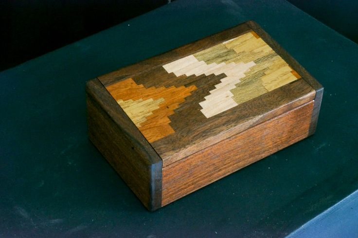 Walnut box with patterned inlay