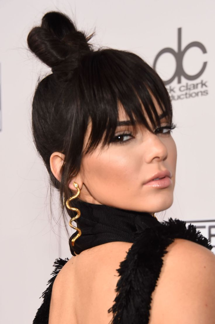 Kendall Jenner Steals Her Sister Kylie's Fake Bangs, Looks ...