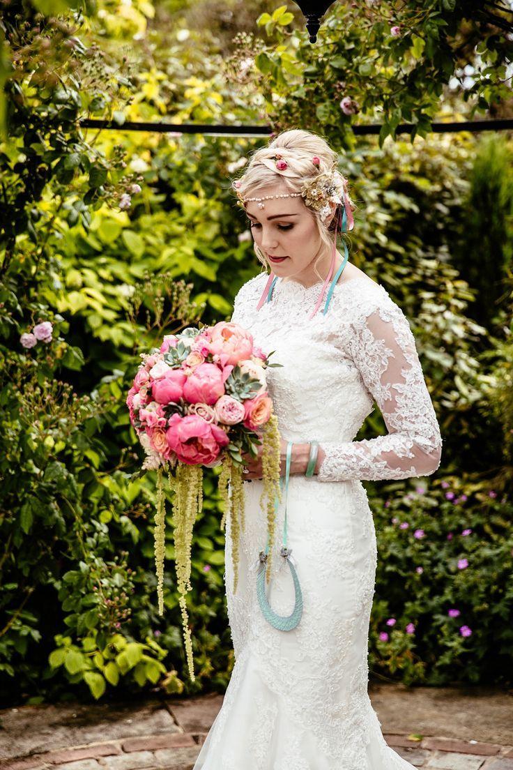 photo robe de mariée créateur pas cher 034 et plus encore sur www.robe2mariage.eu