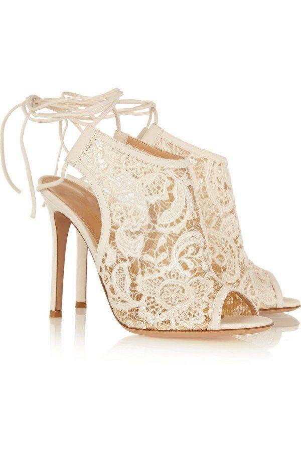 6d1e48ae38 20 Increíbles zapatos de novia que parecen salidos de un cuento de ...