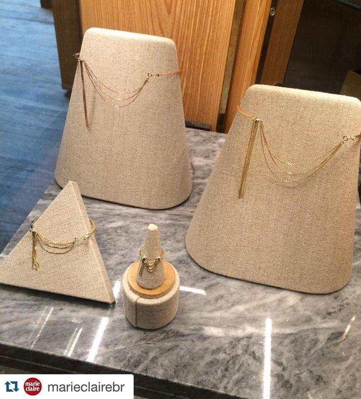"""#Repost @marieclairebr ・・・ A marca de jóias Aron & Hirsch (@aron_hirsch) lança sua nova coleção """"Melindrosa"""" inspirada nas mulheres da década de 1920, que chega às lojas esta semana. As joias estão à venda na NK Store São Paulo e no showroom da marca, em Higienópolis."""