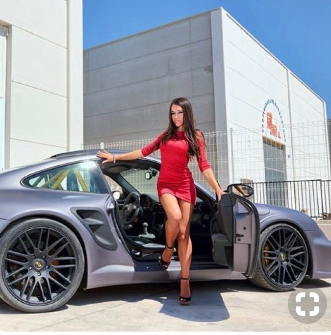 Enjoy this stylish Porsche photo collection of 60 cars with 60 ...