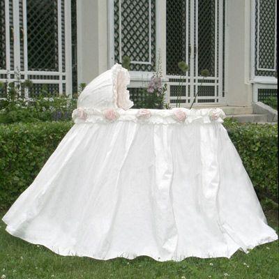 Love this beautiful baby girl bassinet.