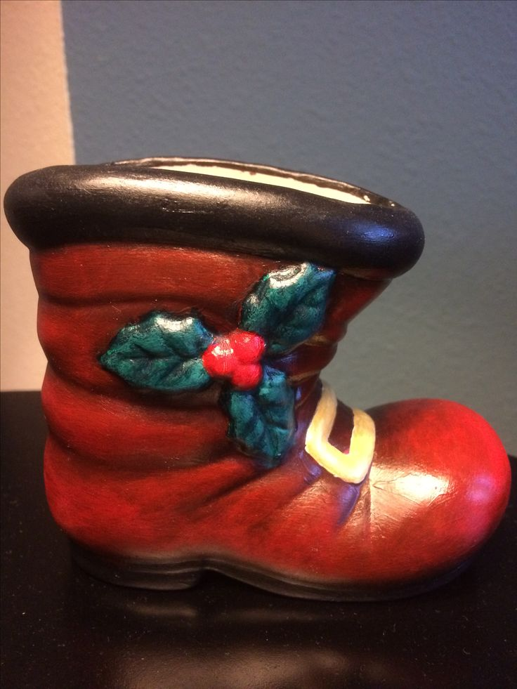 Ceramic painting. Santa's boot. Painted with shading to make it look more vintage.