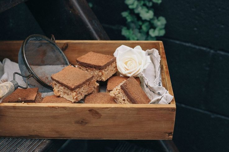 SALTED PEANUT BUTTER & OAT BARS WITH GANACHE
