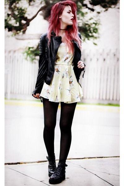 Vestido, jaqueta e meia calça