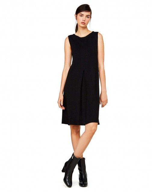 Flared knit dress Black at the official United Colors of Benetton online shop.