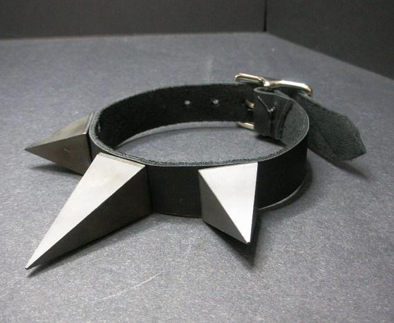 Black Pyramid Spike Collar- black leather $24,75