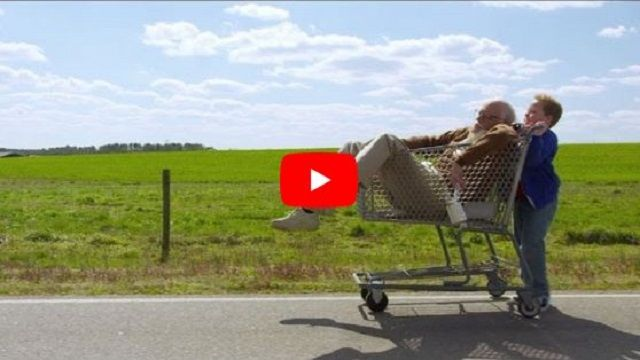 Jackass Presents: Bad Grandpa - Official Trailer http://videoworldeverything.blogspot.com/2017/08/jackass-presents-bad-grandpa-official.html