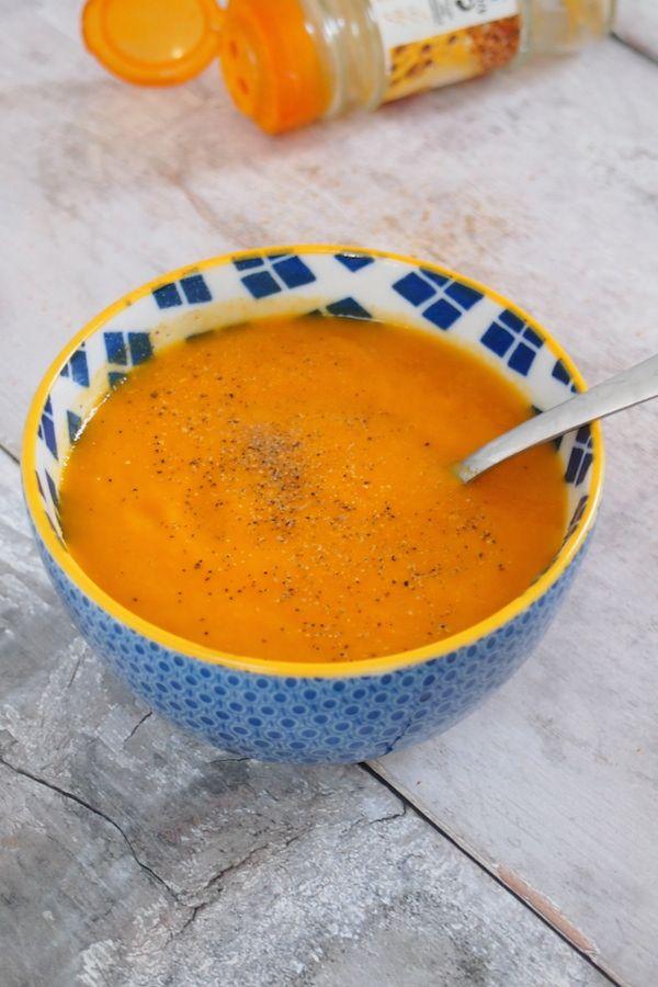 Ca y est c'est l'automne et avec elle arrive les premier froid et qui dit froid dit soupe ( du moins pour moi) . Je me suis lancée dans une inspiration autour de la carotte en y ajoutant un peu de curry et à la place de la crème, pour y apporter un peu deContinue Reading