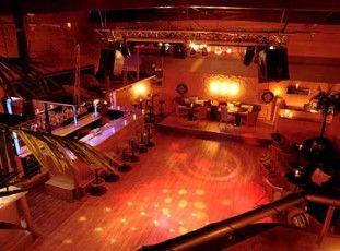 Der Club zum mieten eignet sich für Geburtstagsfest, Firmenanlass, Vereinsfest, Apéro, Hochzeit etc.