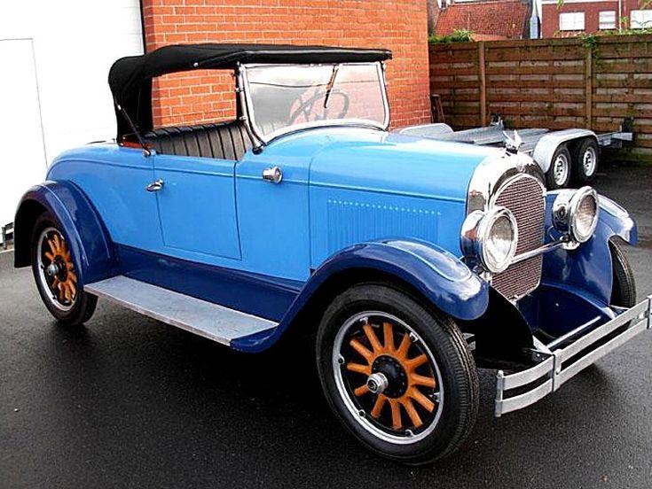 Voiture Chrysler Roadster de 1926, 2 portes, 2 places, moteur 4 cyl, une des premières voitures construire avec freins hydrauliques sur les 4 roues.