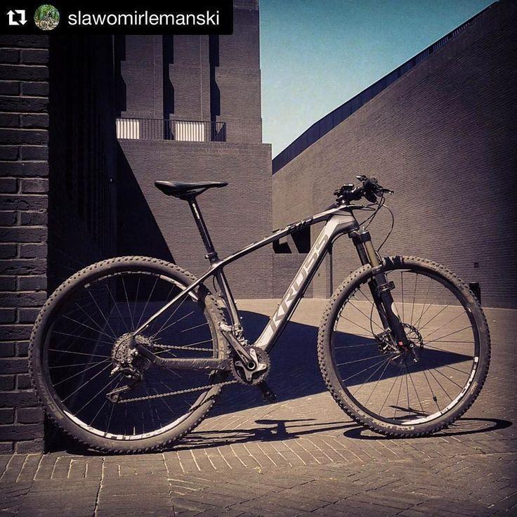 @slawomirlemanski #kross #level #b10 #carbon #bike #moutainbike #mtb #xc #shimano #schwalbe #dtswiss #easton #sigma #fox #pro #gdansk #teatr #krossonepassion #szekspirowski #mtb #bici #bike #bicicleta #vtt #velo #cycling #race #krossjednapasja #krossbikes #rower by krossbikes
