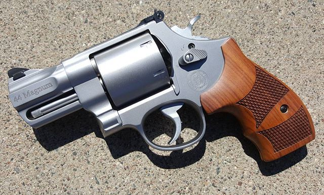 This beauty came through the shop today.. Such a beautiful revolver.