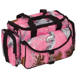 Plano Pink Realtree fishing tackle bag <3    I bought this on eBay, came with the inserts {:o)
