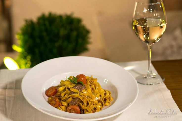 A delicious plate possibly the most known in #Crete with a twist; Tagliatelle with beef fillets and goat cheese flakes! #AlanaMenu