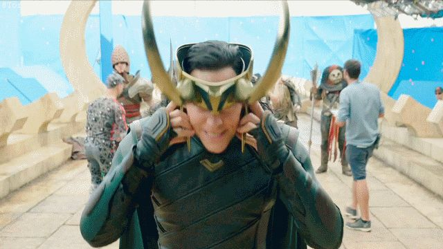 #ThorRagnarok - Gag Reel. #TomHiddleston #Loki. Video: https://m.weibo.cn/status/4209073686081369 Gif by Torrilla