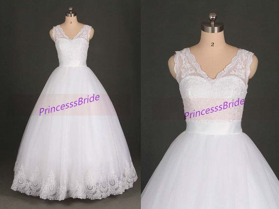 2014 white tulle and lace wedding gowns,lastest simple bridal dresses cheap,cute v neck dress for beach wedding party hot.