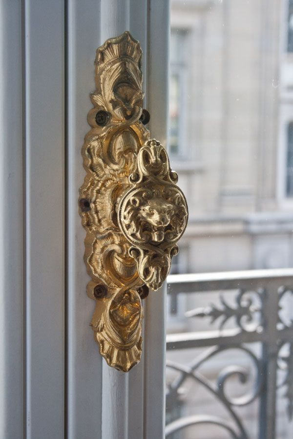 Vintage Style Door Knob In Gold
