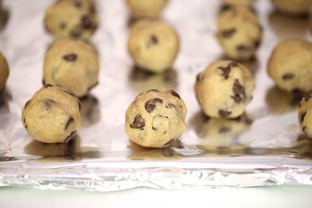 No-bake chocolate chip cookie dough truffles