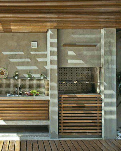 Outdoor kitchen under a pergola
