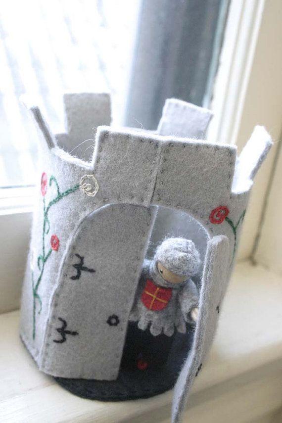 Tour de château en feutrine