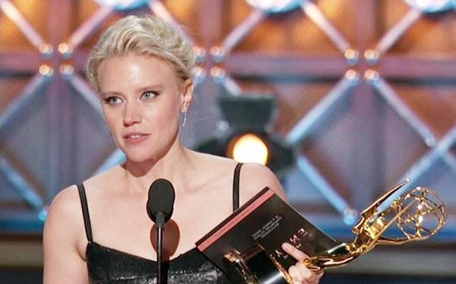 Emmys 2017: Kate McKinnon wins Impressive Supporting Actress award in comedy series category: International Shows, News https://goo.gl/6EuyVT