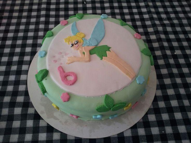 tinkerbell taart. samen met mijn dochter van 6 gemaakt.