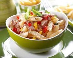 Salade de pâtes au thon, tomate et maïs http://www.cuisineaz.com/recettes/salade-de-pates-au-thon-tomate-et-mais-79259.aspx