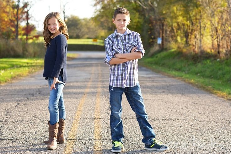Sibling outfit inspiration, sibling photography, tweens