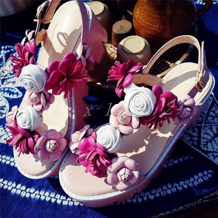Womens Leather Gladiator T-Straps Flowers Gladiator Sandals Ladies Romans Shoes