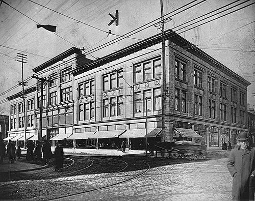 MP-1984.105.4 Goodwin's department store (future site of T. Eaton Co.), St. Catherine Street, Montreal, QC, ca. 1912 Anonymous About 1912, 20th century Notman photographic Archives - McCord Museum  MP-1984.105.4 Magasin Goodwin's (futur emplacement de la T. Eaton Co.), rue Sainte-Catherine, QC, vers 1912 Anonyme  Vers 1912, 20e siècle Archives photographiques Notman - Musée McCord  To see the image file on the McCord Museum website, click on the following link…