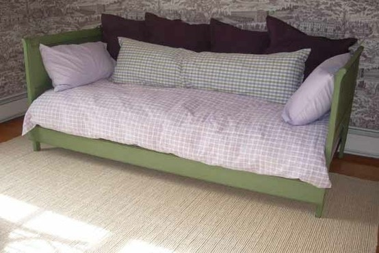 Diy warrior make a daybed out of twin headboards by for Make a twin headboard