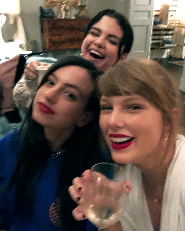 Taylor Swift und bff Selena Gomez feierten mit einer Pyjama-Party den Beginn des …