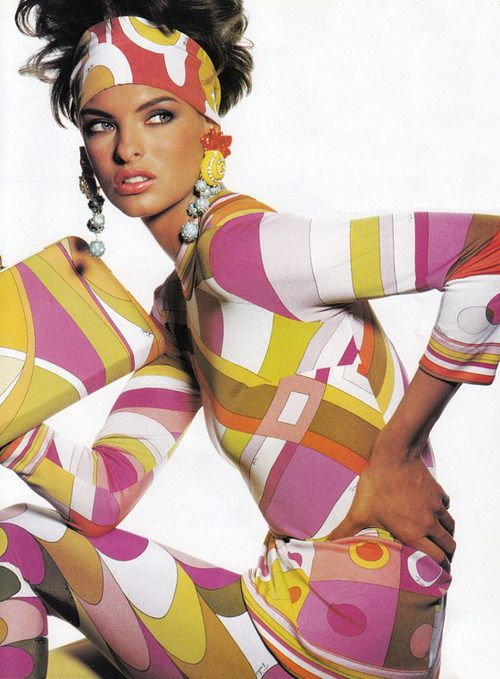 Linda Evangelista  wearing Pucci for Vogue US, May 1990.  Photographer : Irving Penn