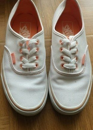 À vendre sur #vintedfrance ! http://www.vinted.fr/chaussures-femmes/baskets/25560693-vans-blanc