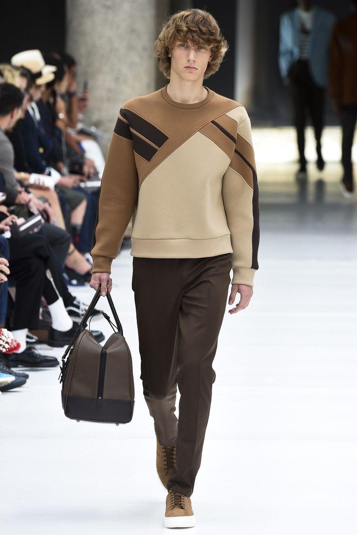 Neil Barrett Spring 2017 Menswear Fashion Show