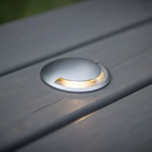 Anodised Aluminium In Ground Light is CNC Machined and part of the Lumena range.  With built in 3W LED this is an extremely energy efficient way to illuminate decks, paths or driveways.