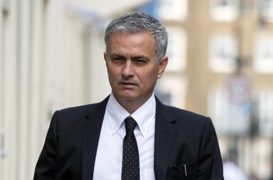 Главный тренер «Манчестер Юнайтед» Жозе Моуринью потратил миллиард евро