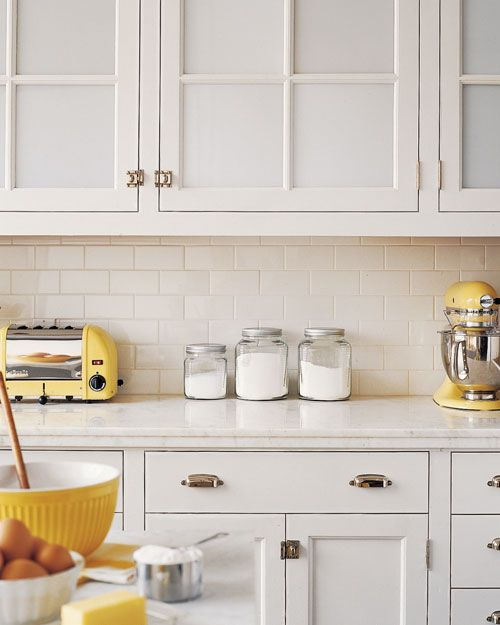 Off White Kitchen Cabinets With Subway Tile: Best 25+ Blue Yellow Kitchens Ideas On Pinterest