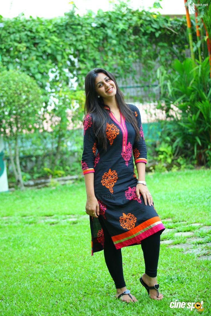 Nikki Galrani photoshoot (20)