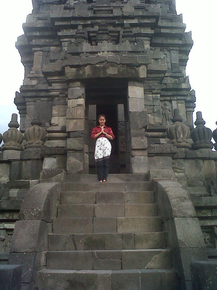 tempat wisata salah satu yang paling paling indah di Indonesia adl candi borubudur dengan cerita sejarah yang begitu di minati banyak orang.begitu bangga nya Indonesia mempunyai tempat wisata yang memiliki nilai sejarah yang tinggi  #PINdonesia