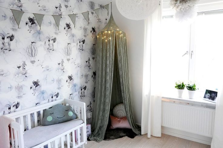 Kids room inspo | Barnrum | Oh Clouds | Mrs Mighetto | Sänghimmel Numero 74 | Vimplar Numero 74 | Bed side crib | Kids Concept | Stjärnhimmel Watt & Veke | Pompoms Jabadabado