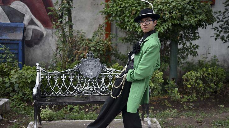 """Newsela - """"Pachucos"""" mexicanos mantienen viva la tradición del traje zoot suit"""